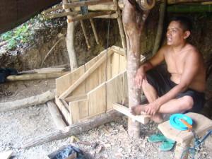 Inser Foto : Penambang Poboya ( pendatang dari luar palu )