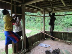 Insert Foto : Aktivitas Masyarakat Lampo Membangun Bantaya